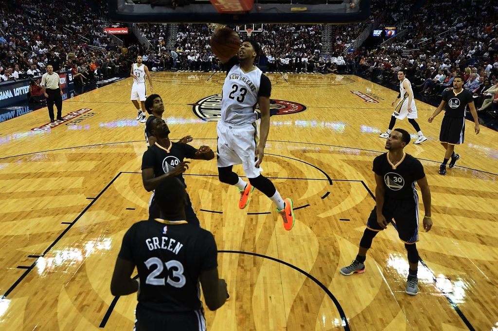 NEW ORLEANS, LA - OCTOBER 31: Anthony Davis #23 of the New Orleans Pelicans dunks during a game against the Golden State Warriors at the Smoothie King Center on October 31, 2015 in New Orleans, Louisiana. NOTE TO USER: User expressly acknowledges and agrees that, by downloading and or using this photograph, User is consenting to the terms and conditions of the Getty Images License Agreement. (Photo by Stacy Revere/Getty Images)
