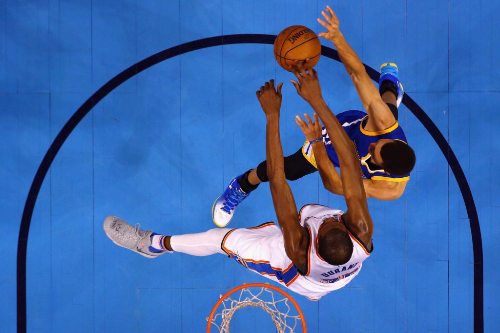 Kevin Durant e Stephen Curry durante gara 6 delle Western Conference Finals a Oklahoma City (Maddie Meyer/Getty Images)