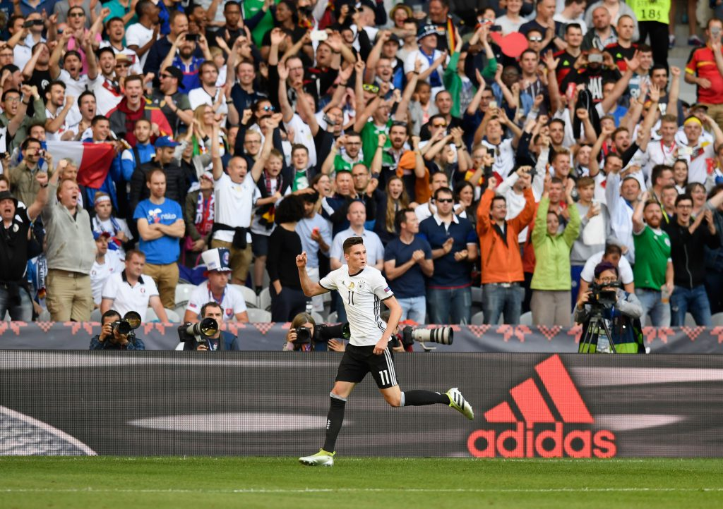 LILLE, FRANCE - JUNE 26: Julian Draxler of Germany celebrates scoring his team's third goal during the UEFA EURO 2016 round of 16 match between Germany and Slovakia at Stade Pierre-Mauroy on June 26, 2016 in Lille, France. (Photo by Mike Hewitt/Getty Images)
