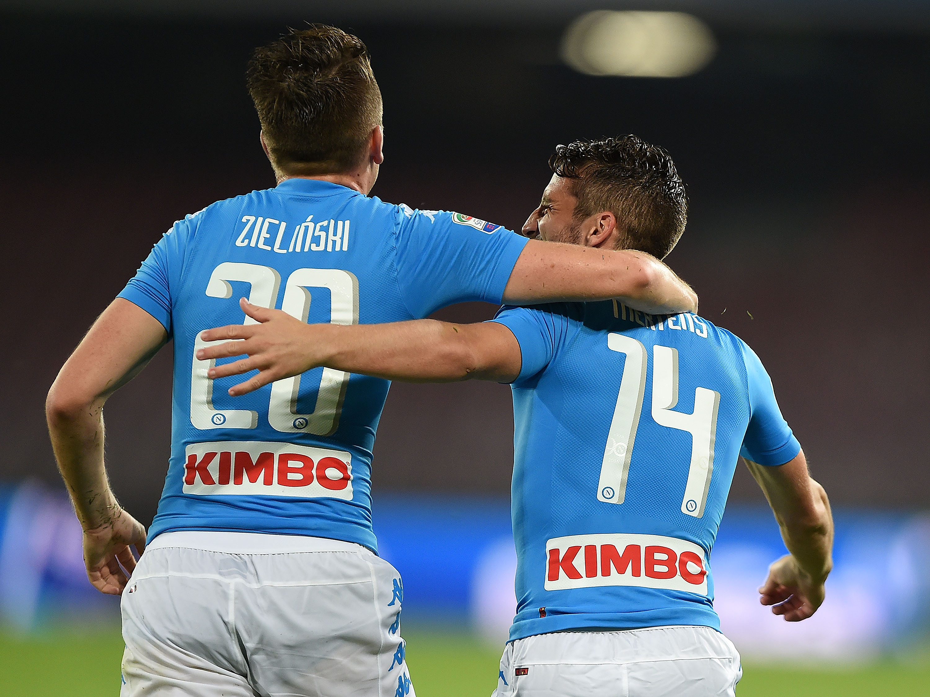 NAPLES, ITALY - OCTOBER 26: Dries Mertens and Piotr Zielinski of Napoli celebrates a goal 1-0 scored by Dries Mertens during the Serie A match between SSC Napoli and Empoli FC at Stadio San Paolo on October 26, 2016 in Naples, Italy. (Photo by Francesco Pecoraro/Getty Images)