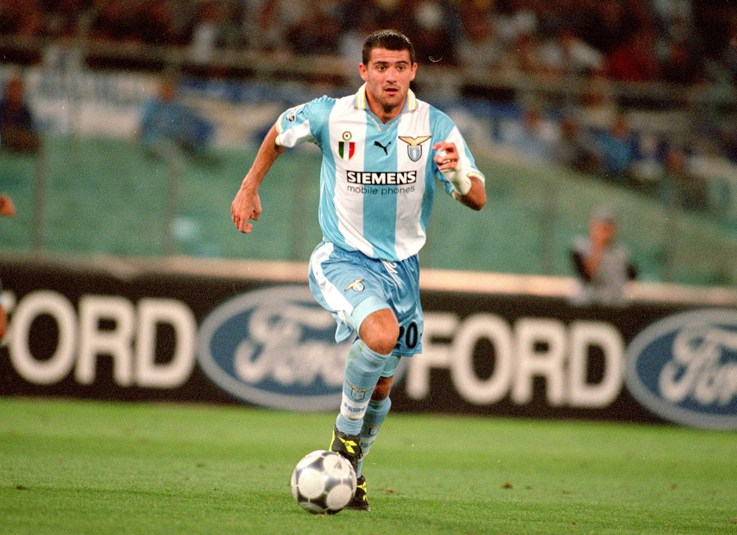 20 Sep 2000: Dejan Stankovic of Lazio in action during the UEFA Champions League match against Sparta Prague at the Stadio Olimpico in Rome, Italy. Lazio won the match 3-0. Mandatory Credit: Dave Rogers /Allsport