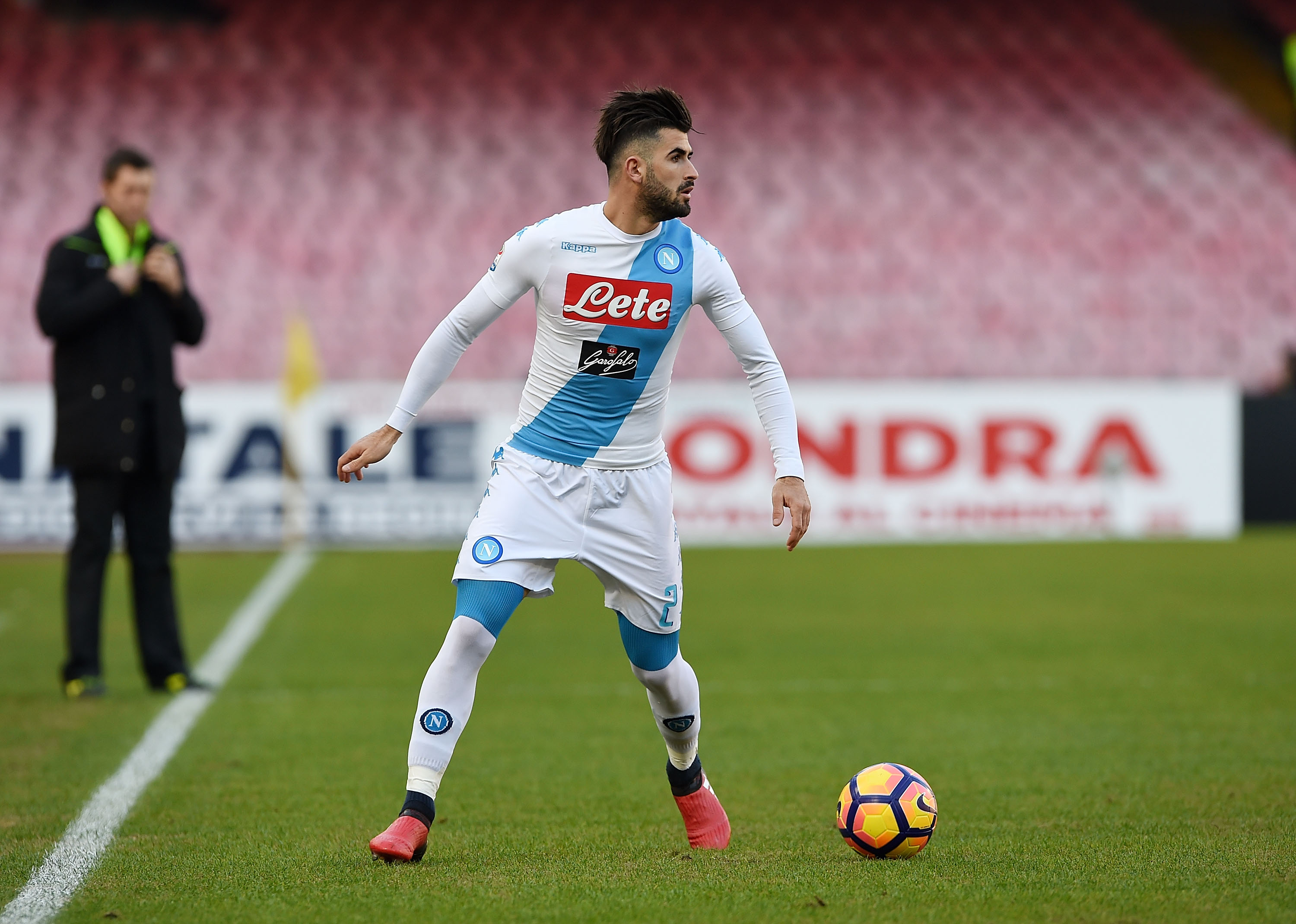 NAPLES, ITALY - DECEMBER 18: Elseid Hysaj of SSC Napoli in action during the Serie A match between SSC Napoli and FC Torino at Stadio San Paolo on December 18, 2016 in Naples, Italy. (Photo by Francesco Pecoraro/Getty Images)
