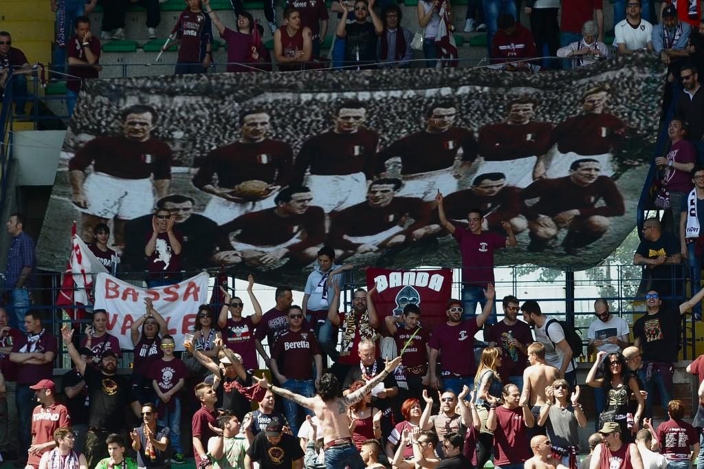 Tifosi del Torino commemorano le vittime di Superga nel 65° anniversario,  maggio 2014.  Mario Carlini/Iguana Press/Getty Images