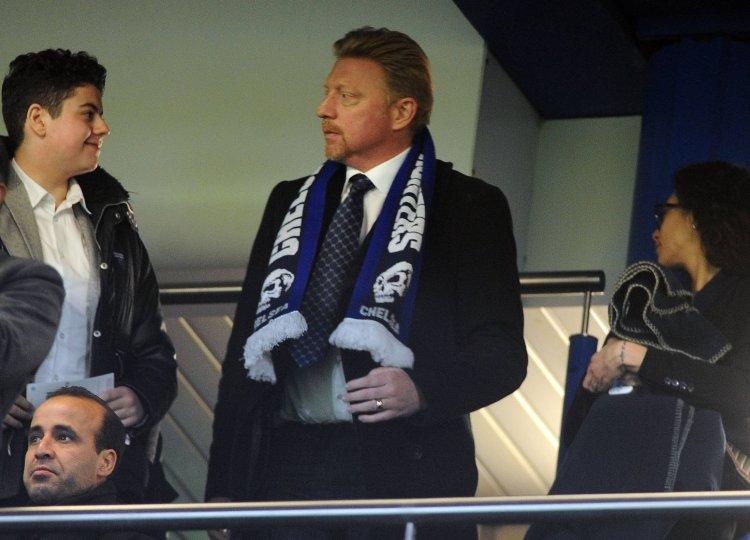 becker-scarf-headhunters