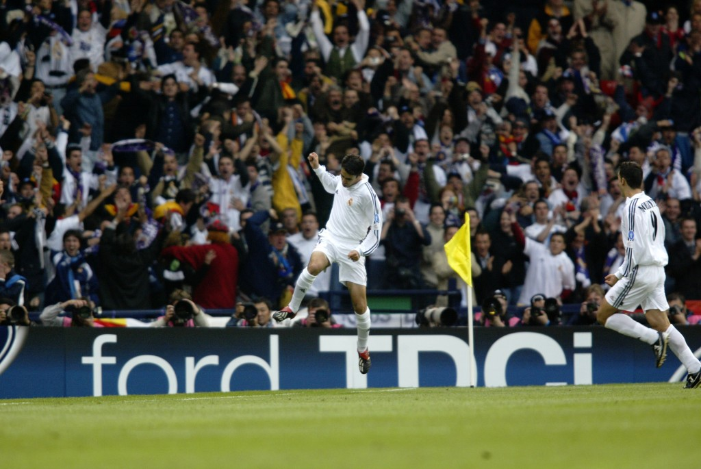 Raul of Real Madrid celebrates his goal