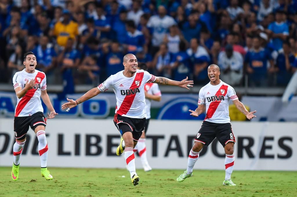 Cruzeiro v River Plate