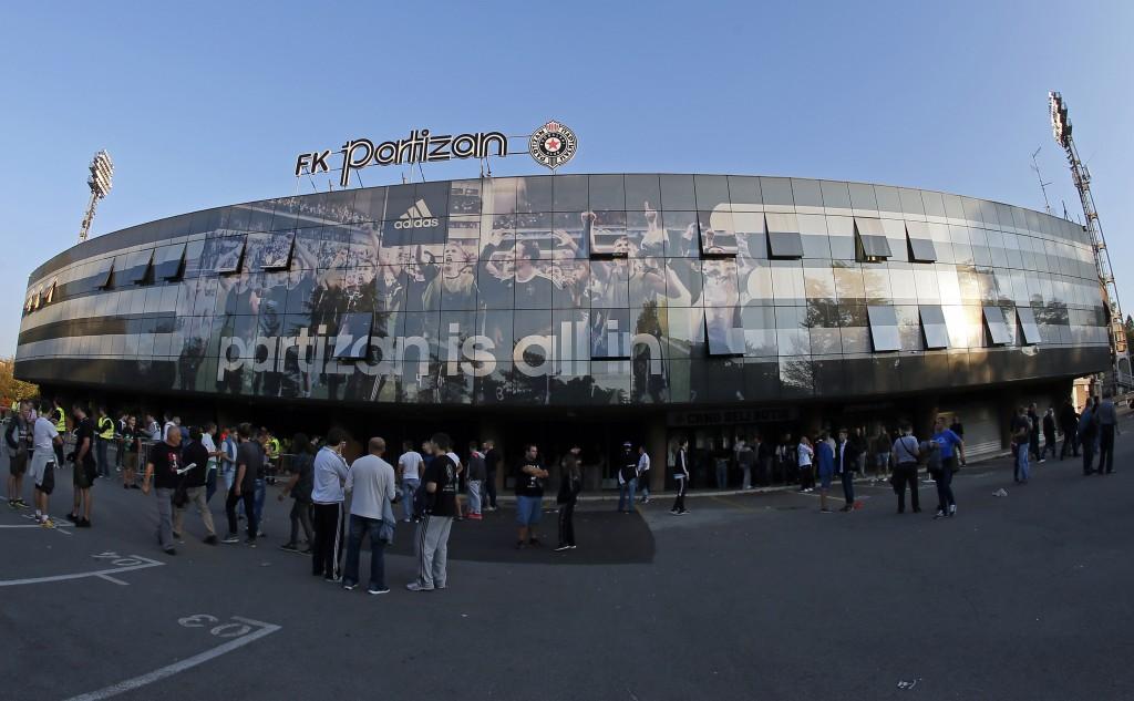 Avvicinandosi allo stadio del Partizan. Pedja Milosavljevic/EuroFootball/Getty Images
