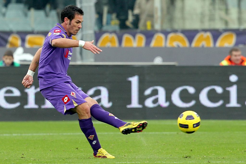 FLORENCE, ITALY - DECEMBER 05: Gaetano D'Agostino of ACF Fiorentina in action during the Serie A match between Fiorentina and Cagliari at Stadio Artemio Franchi on December 5, 2010 in Florence, Italy. (Photo by Gabriele Maltinti/Getty Images)