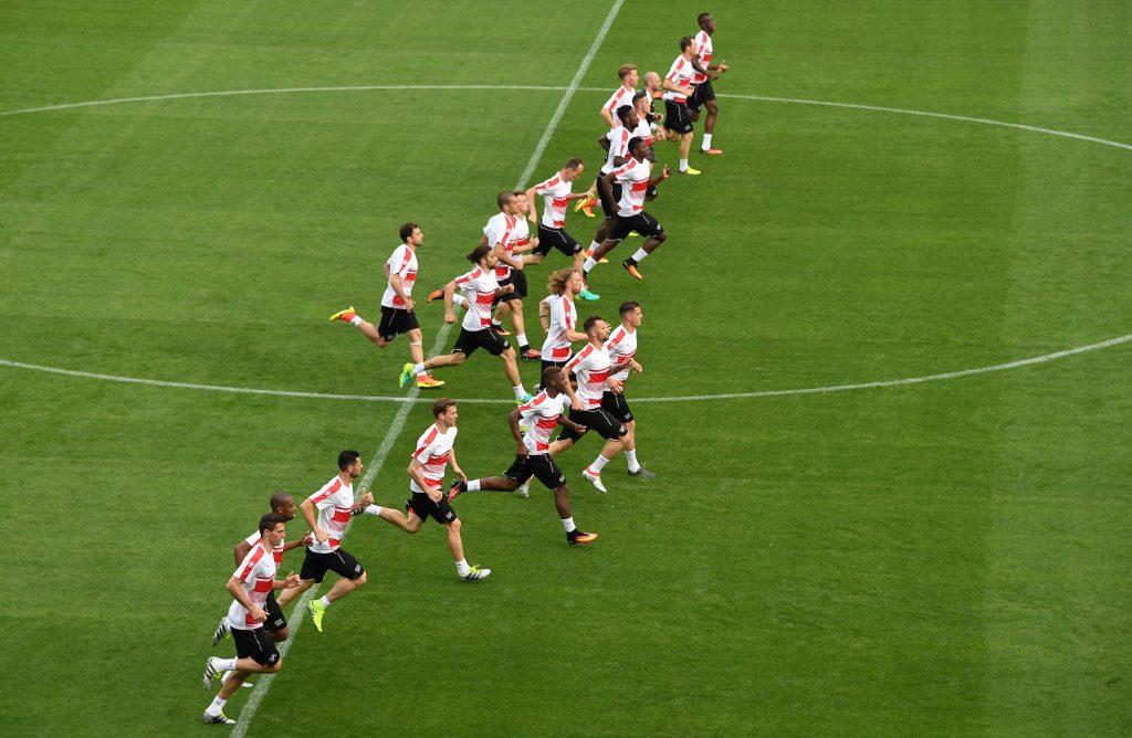 I giocatori della Svizzera si allenano allo Stadio Mosson di Montpellier (Pascal Guyot/AFP/Getty Images)