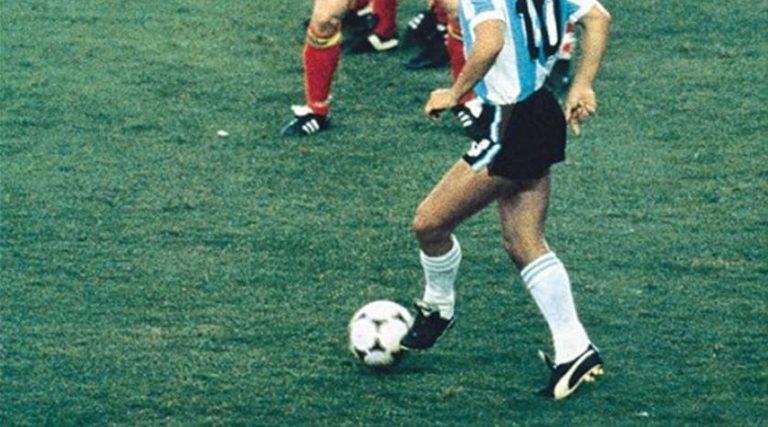 Puma ha rifatto le King di Maradona a Messico '86