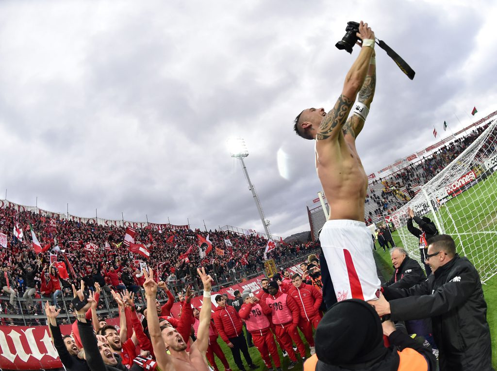 PERUGIA, ITALY - MARCH 05: Matteo Ardemagni of AC Perugia takes a selfie with his team to celebrate the victory after the Serie B match between AC Perugia and Ternana Calcio at Stadio Renato Curi on March 5, 2016 in Perugia, Italy. (Photo by Giuseppe Bellini/Getty Images)