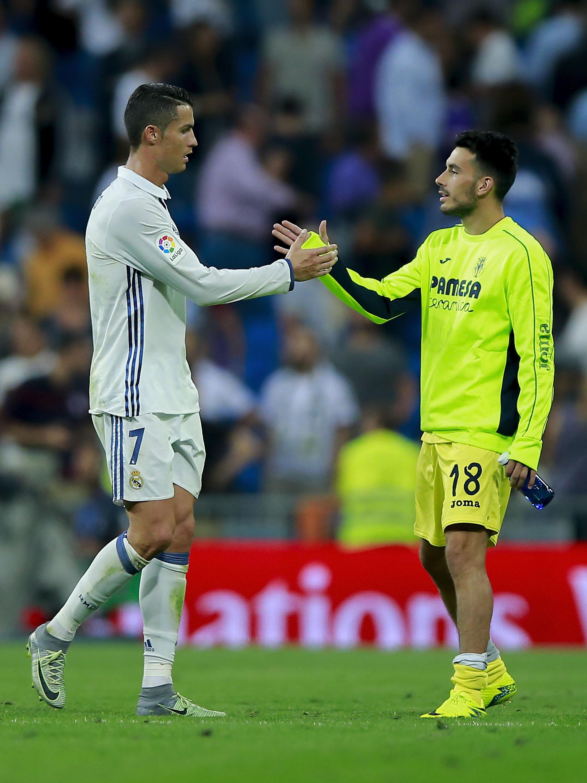 Cristiano Ronaldoe Nicola Sansone( Gonzalo Arroyo Moreno/Getty Images)