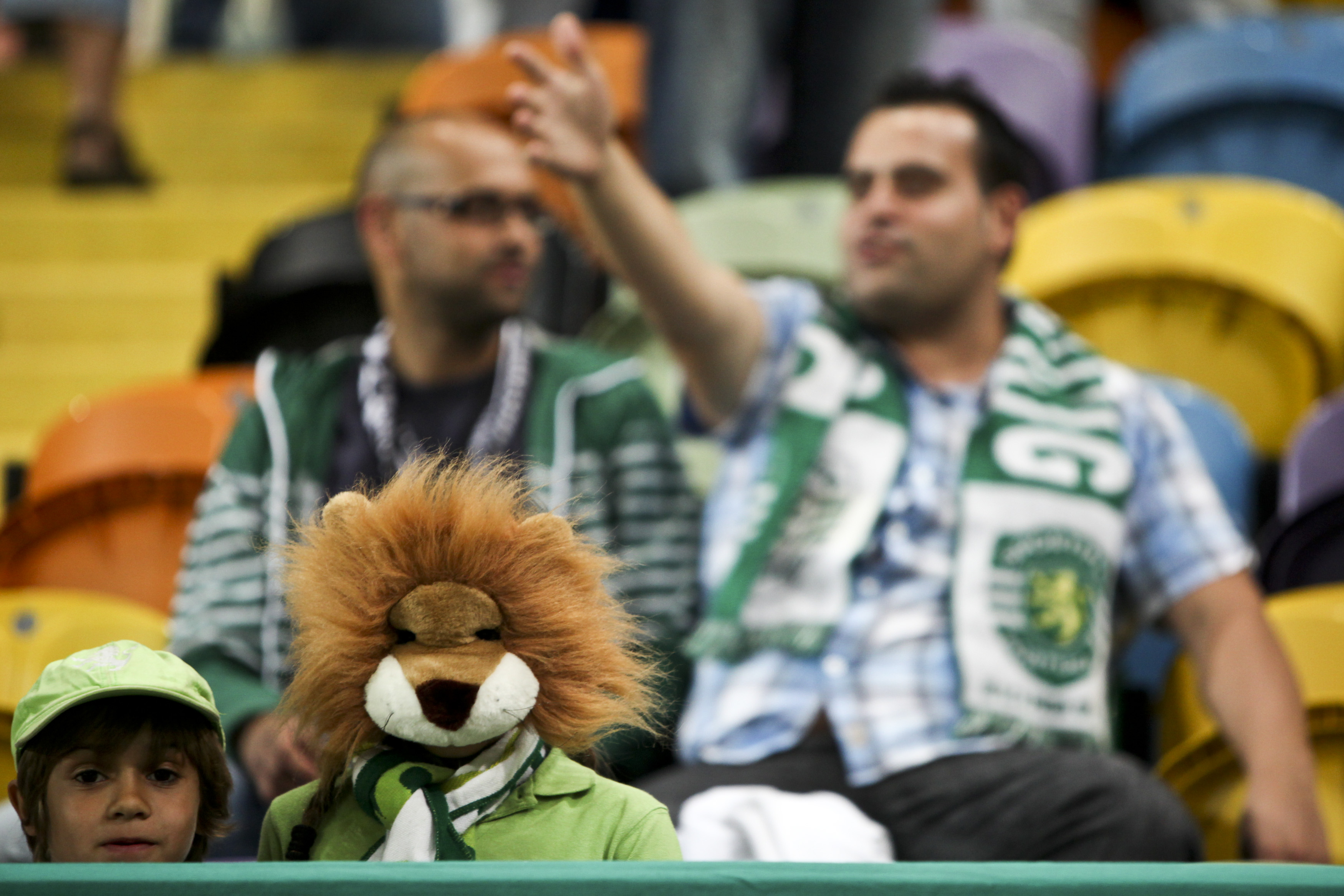 LISBON - AUGUST 13: A fan of Sporting Clube de Portugal before the Portuguese Primeira Liga ZON Sagres match between Sporting Lisbon and Olhanense at the Alvalade Stadium on August 13, 2011 in Lisbon,Portugal. (Patricia De Melo Moreira/EuroFootball/Getty Images)