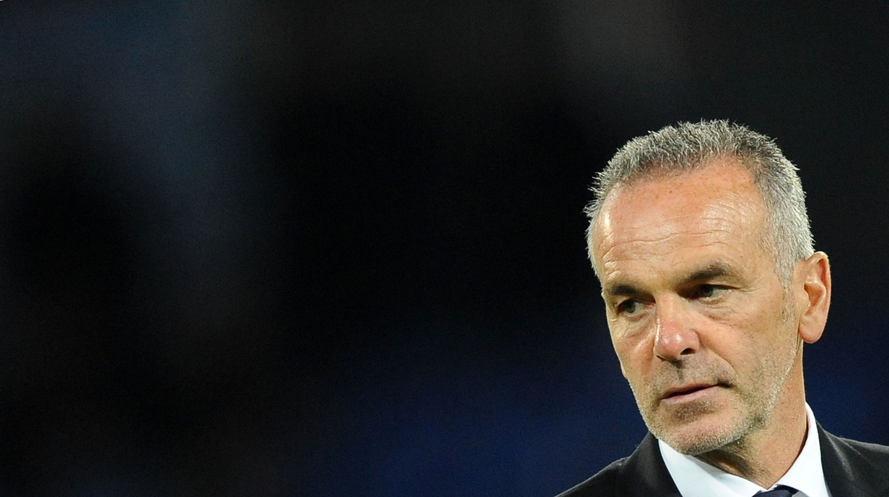 NAPLES, ITALY - APRIL 8: Lazio's coach Stefano Pioli looks on before the Tim cup match between SSC Napoli and SS Lazio at the San Paolo Stadium on APRIL 8, 2015 in Naples, Italy. (Photo by Francesco Pecoraro/Getty Images)