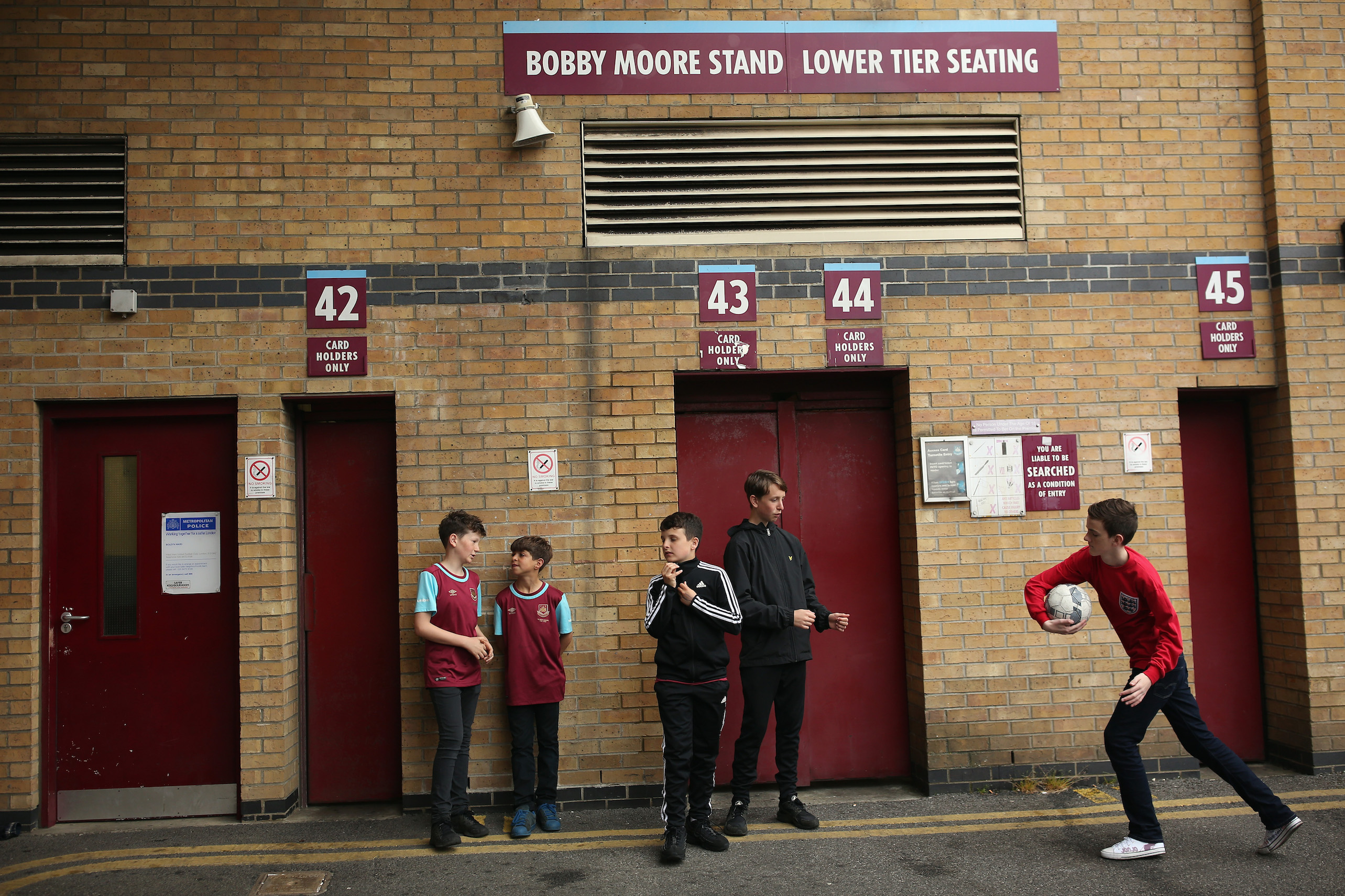 West Ham Play Their Last Ever Game At The Boleyn Ground