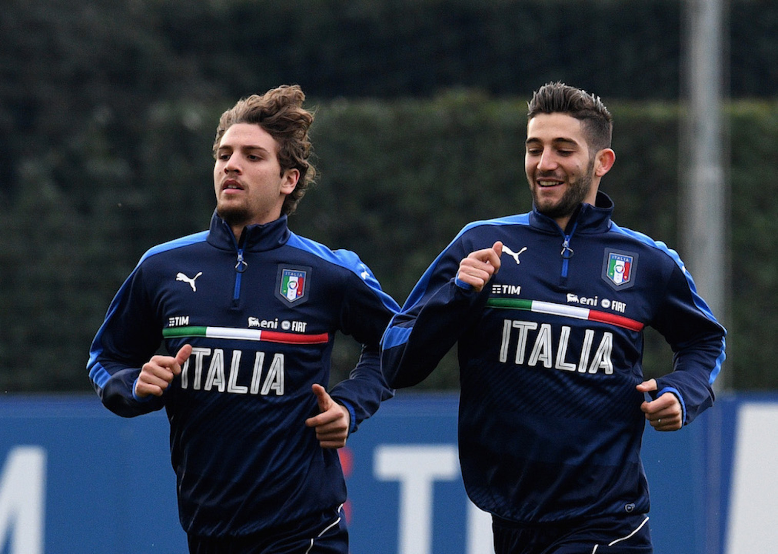 FLORENCE, ITALY - FEBRUARY 21: Manuel Locatelli (L) and Roberto Gagliardini of Italy in action during the training session at the club's training ground at Coverciano on February 21, 2017 in Florence, Italy. (Photo by Claudio Villa/Getty Images)
