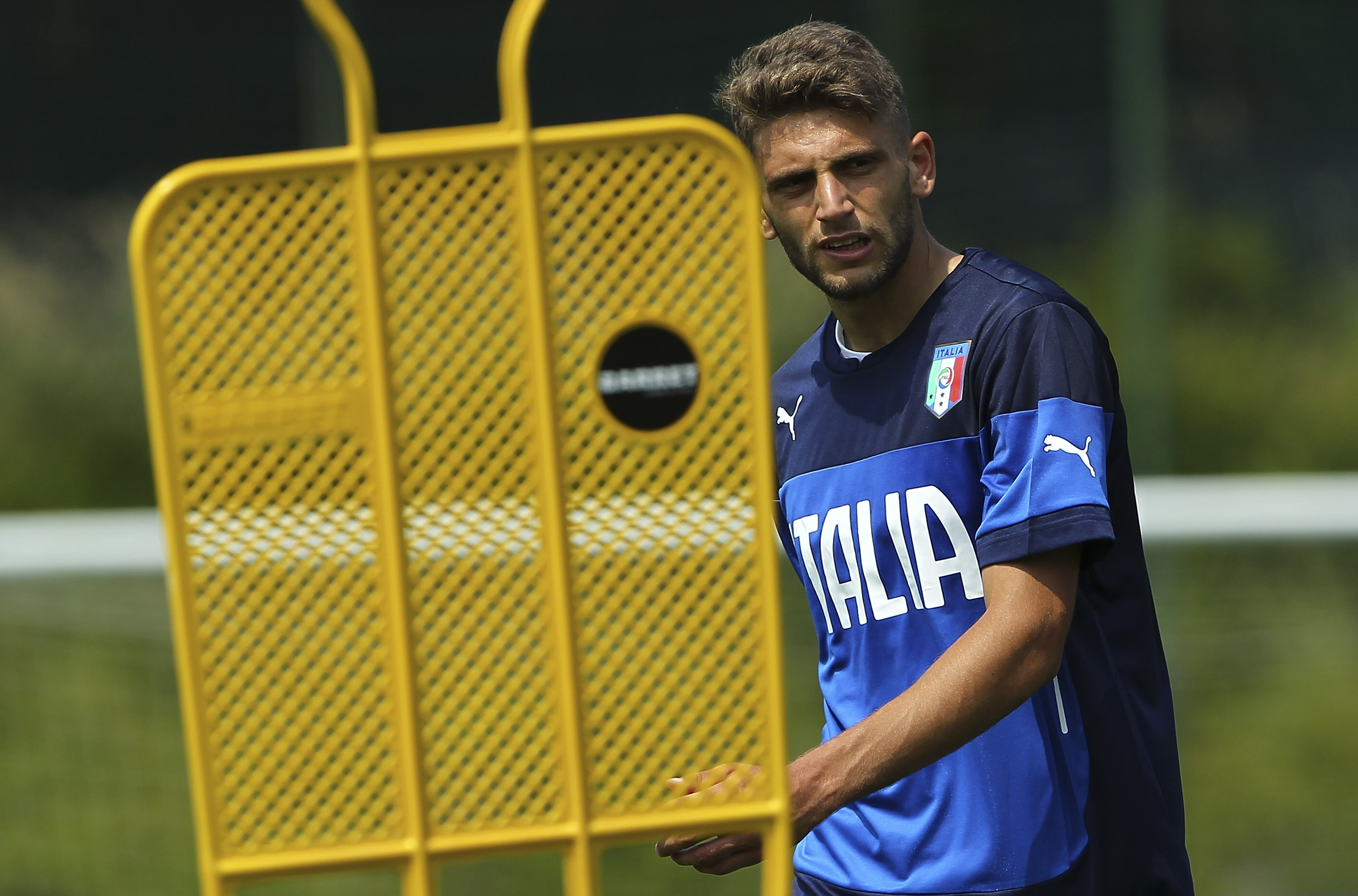 COMO, ITALY - JUNE 04:  Domenico Berardi of Italy U21 looks on during Italy U21 training session at the club's training ground on June 4, 2015 in Appiano Gentile Como, Italy.  (Photo by Marco Luzzani/Getty Images)