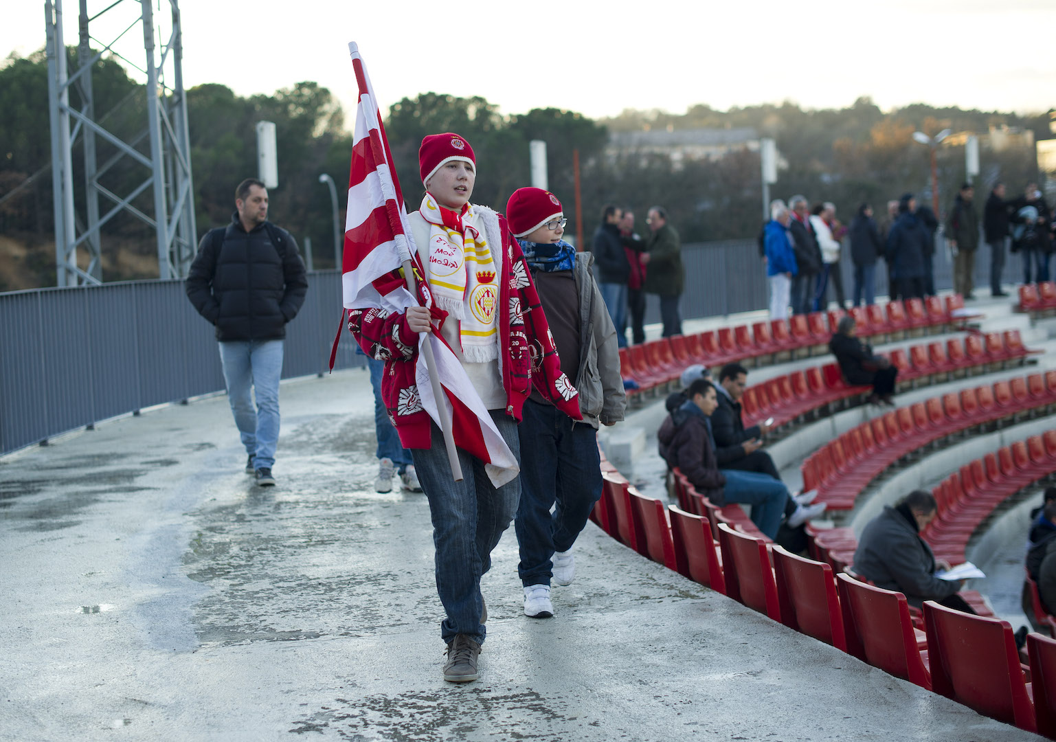 (L) vies with (R) during the Spanish second division league football match Girona FC vs SD Eibar at the municipal stadium of Montilivi in Girona on January 25, 2014. AFP PHOTO/ JOSEP LAGO